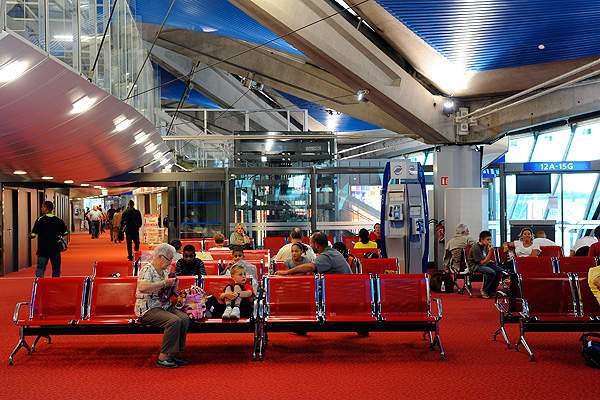 The lounge at terminal one of the airport. Image courtesy of Aéroports de Lyon.