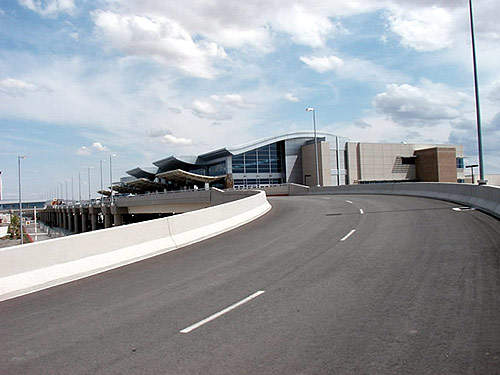 The two-level, elevated roadway at Boise Airport has a four-lane arrivals roadway for private vehicles to the departures area and a two-lane facility on the lower level for commercial vehicles.