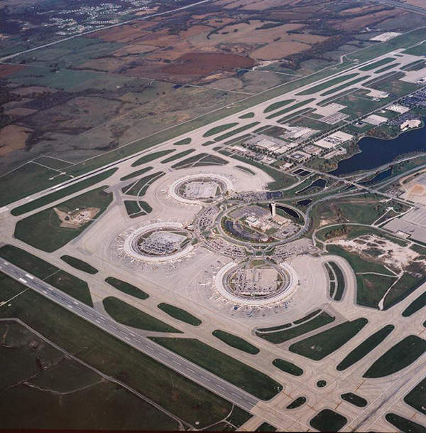 KCI Airport features 'drive-to-your-gate' terminals, which resemble three rings surrounding the parking lots.