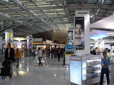 Suvarnabhumi Airport's retail space is impressive, but only half the size of that of Hong Kong airport.