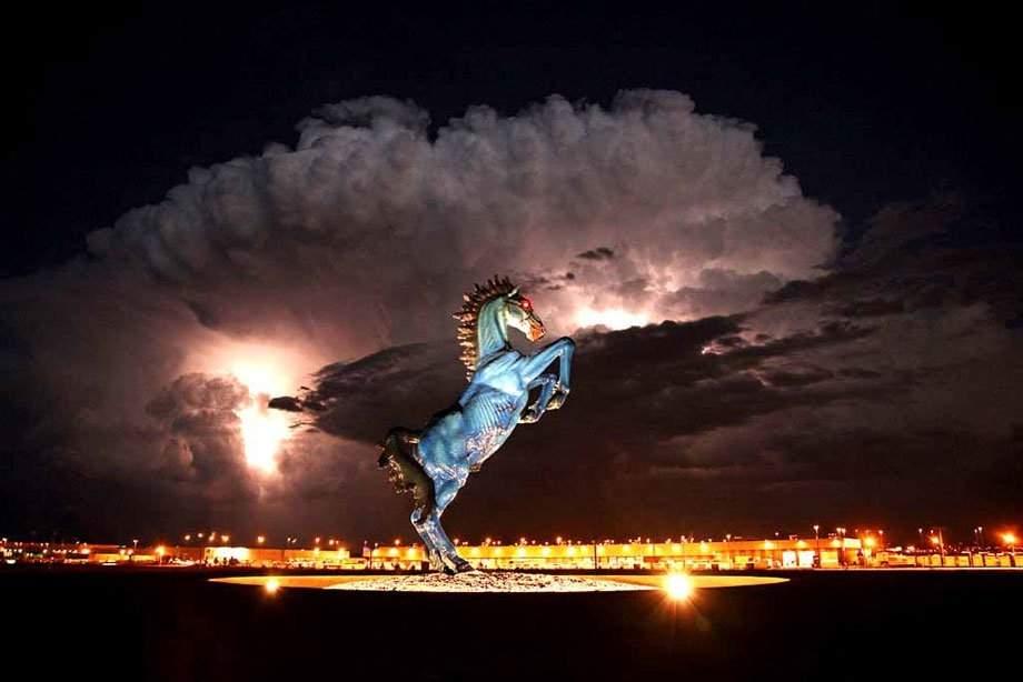 Denver International Airport, Blue Mustang