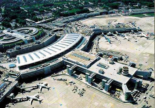 Düsseldorf Airport services 45,000 passengers and handles 500 major goods on a daily basis.