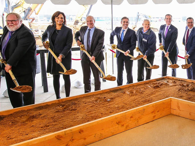 Ground-breaking ceremony of the midfield satellite concourse was held in February 2017. Credit: Mayor Eric Garcetti.