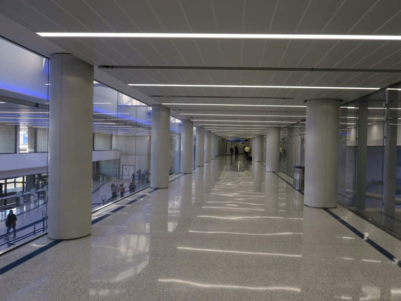A corridor between Terminals 7 and 8 is built to relieve congestion. Credit: Los Angeles World Airports.