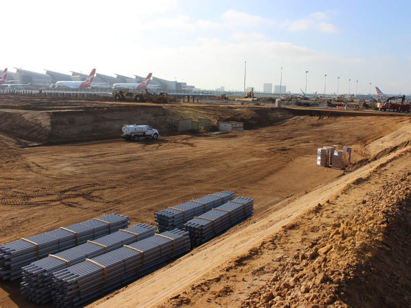 Construction on the midfield satellite concourse is expected to be completed in 2019. Credit: Los Angeles World Airports.