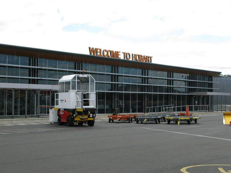 Hobart_Airportview
