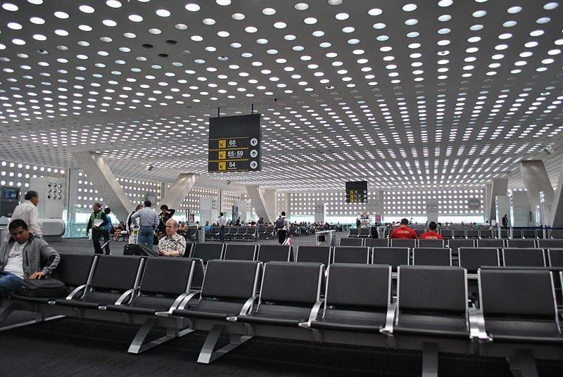 800px-Aeropuerto_Internacional_de_la_Ciudad_de_México_-_Terminal_2_-_Área_de_Salidas