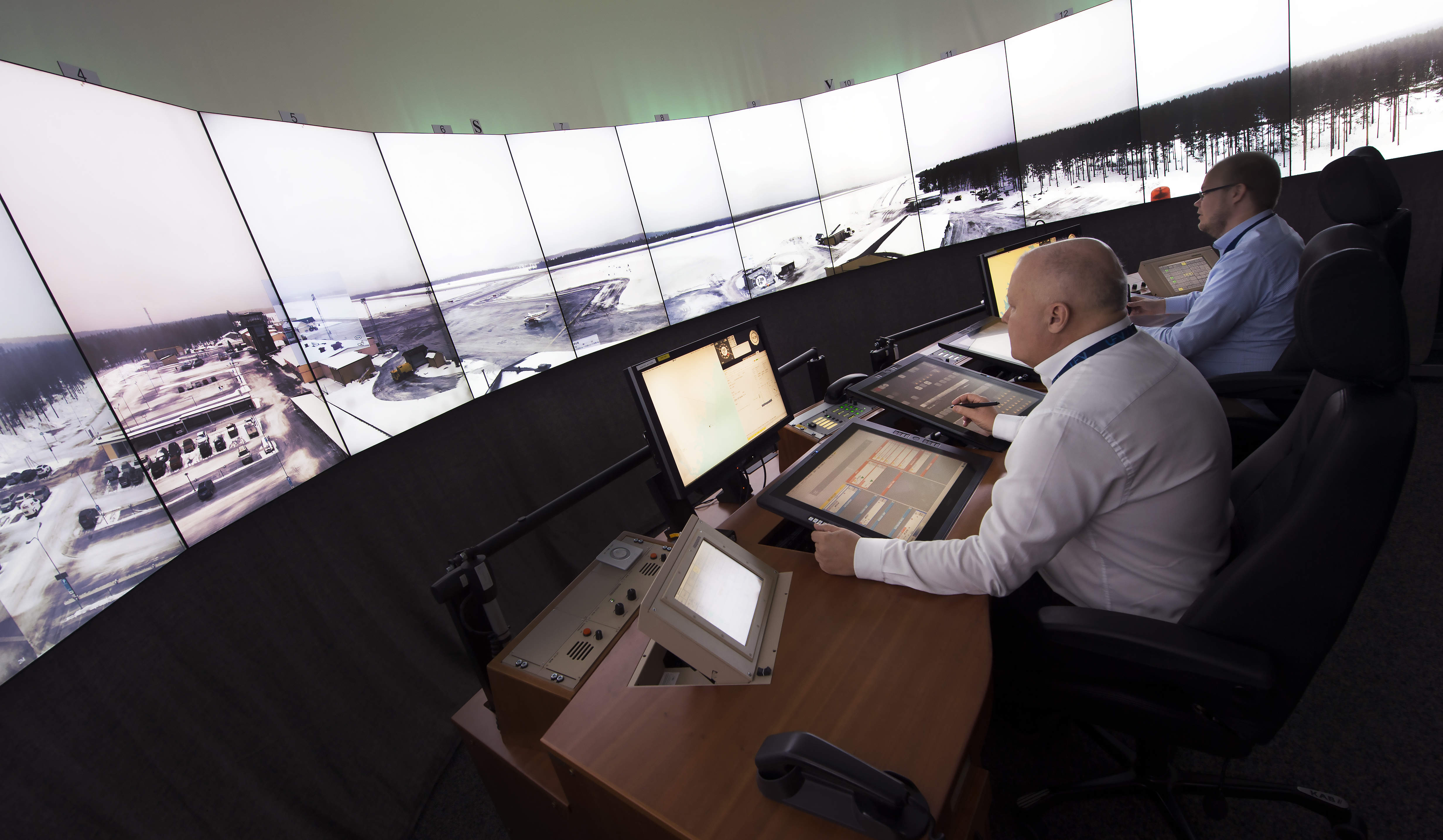 Remote control: investigating the UK's first digital ATC tower