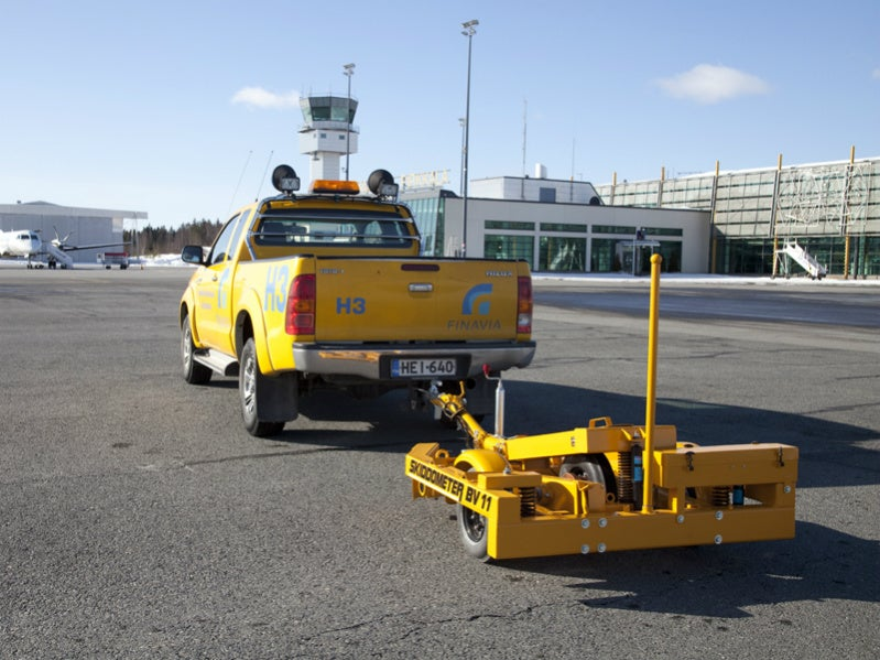 - Moventor BV11 Trailer 1 - Melbourne Airport (MEL) completes upgrade of international arrivals space