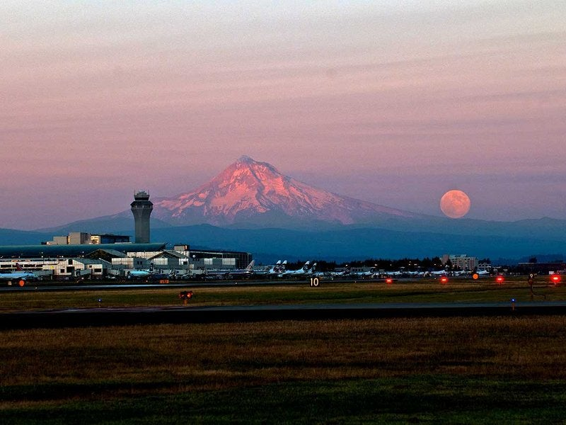 Concourse E extension will provide great views of Mount Hood. Credit: Port of Portland.