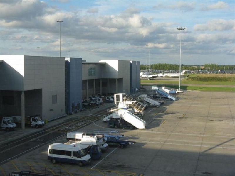 Luton Airport Covid-19