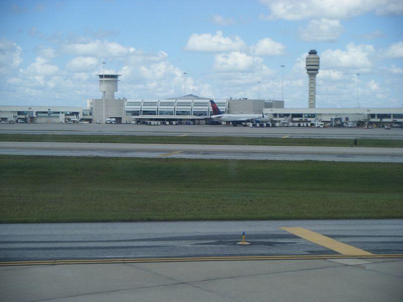 Orlando_International_Airport_terminal