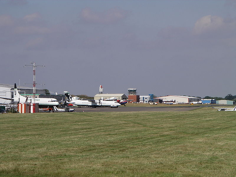 800px-Cov_airport_tower1_3g06