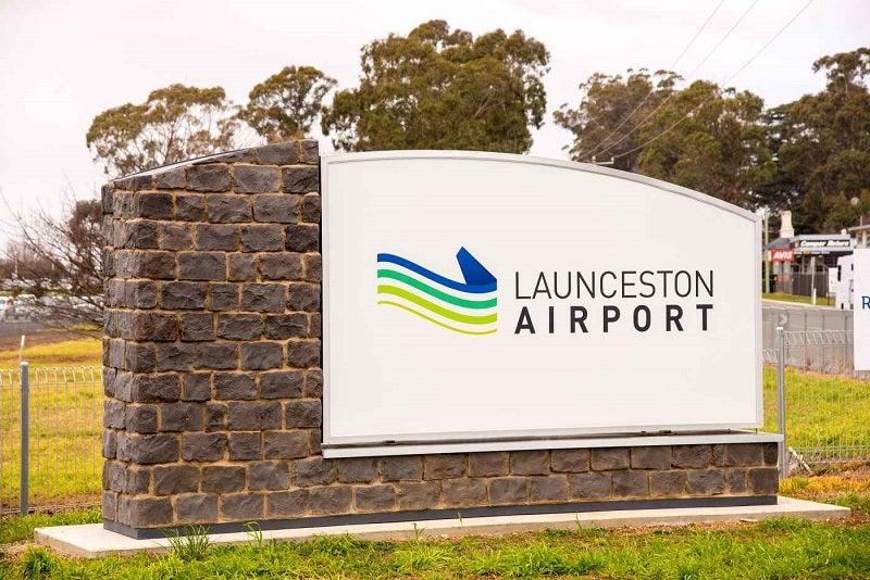 launceston-airport-entrance-signage