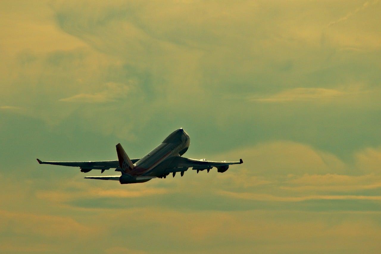Colombia international flights