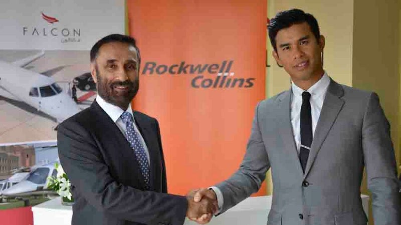 Raman Oberoi (left), COO of Falcon Aviation Services (FAS) with Bernard Stanley of Rockwell Collins.